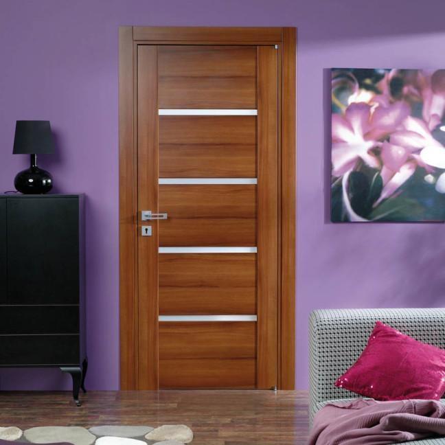 drzwi w pokoju